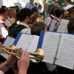 Die Trachtenkapelle sorgt für musikalische Untermauerung