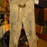 Diese Lederhose ist stolze 200 Jahre alt