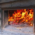 Bei 300 Grad ist der Brotbackofen auf Betriebstemperatur
