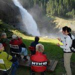 Heilgruppe am Wasserfall