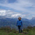 Im Hintergrund die Berge