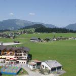 Blick aus der Gondel auf das Hotel Traunstein