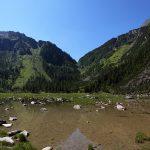 Im Sommer trocknet der See fast gänzlich aus. Übrig bleiben kleine Lacken.