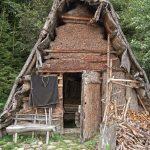 Eine original Holzknechtsoelle hat sich Fritz in den Garten gebaut
