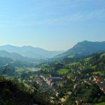 Wanderung auf die Burg mit schoenen Ausblicken ins pongauer Salzachtal