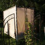 Das Gartenbett in der Morgensonne