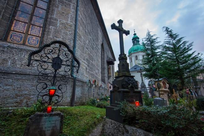 Allerheiligen-Friedhofsgang Der Petersfriedhof Salzburg.06