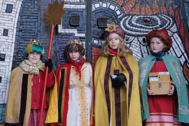 Caspar, Melchior und Balthasar mit ihrem Stern
