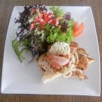 Salat statt Pommes als Zuspeise