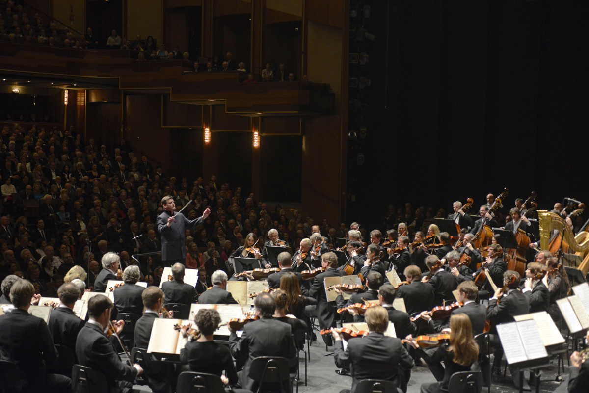 Christian Thielemann dirigiert die Sächsische Staatskapelle Dresden im Großen Festspielhaus © Matthias Creutziger