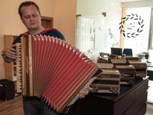 Guenther Lerch ist selbst ein ausgezeichneter Musiker.