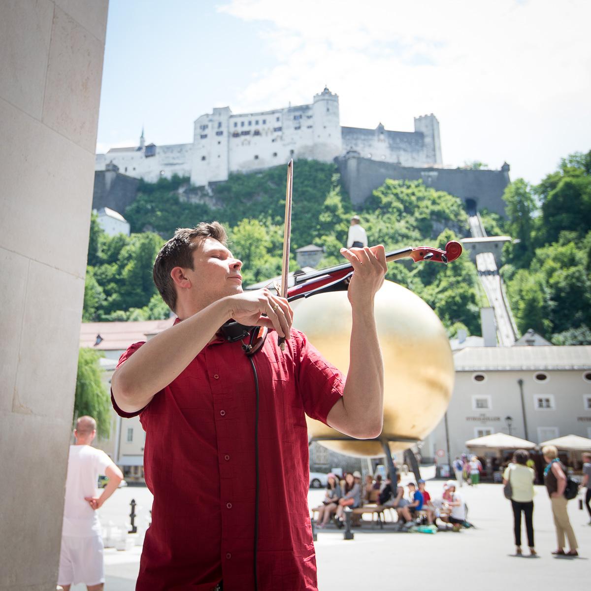 """""""Salzburg ist weniger hektisch als Wien"""", lobt Jan Fila seinen Arbeitsplatz."""
