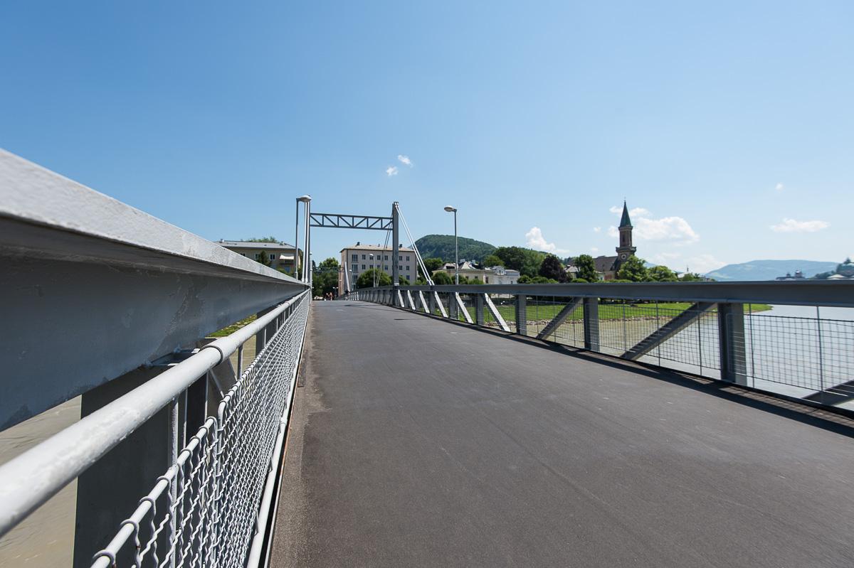 Der Müllnersteg heute, ein wichtiger Übergang für alle die mit dem Fahrrad, zu Fuß oder den Inline Skates in Salzburg unterwegs sind