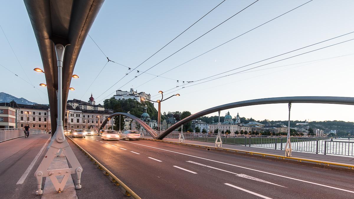 Die Staatsbrücke in der Stadt Salzburg