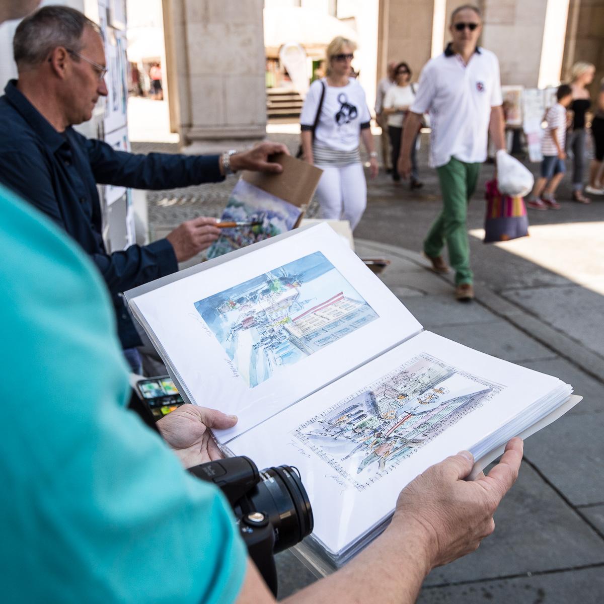 Besonders amerikanische Touristen lieben Tomic' farbenfrohe Impressionen von Salzburg.