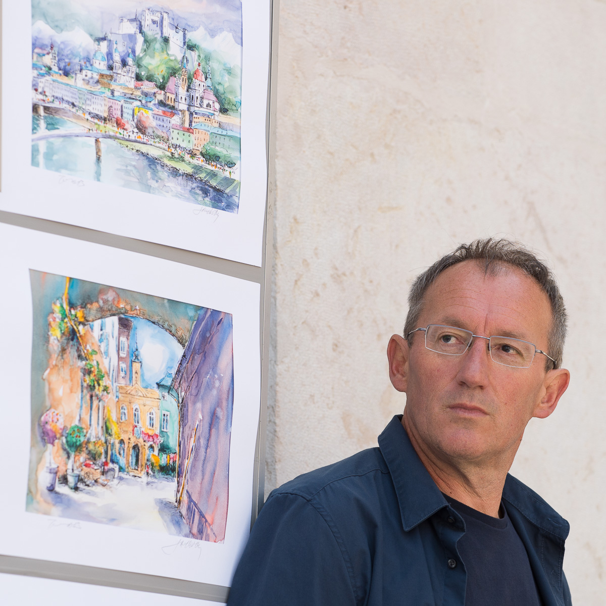 Seit über 20 Jahren steht Stefo Tomic an der Staffelei in der Salzburger Altstadt.