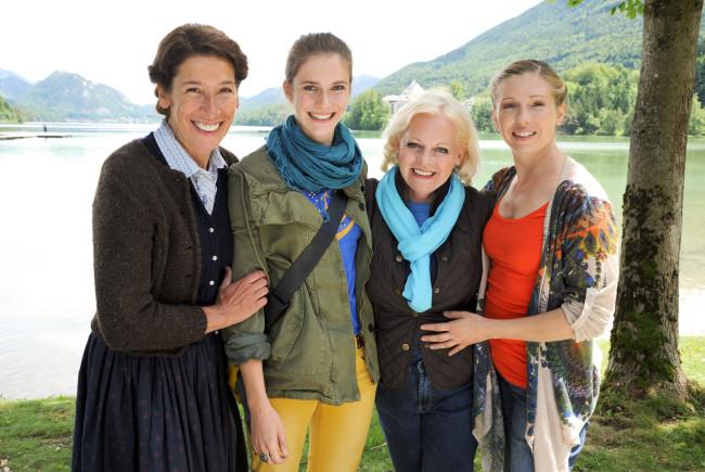 Die vier Hobbydetektivinnen ermitteln. Foto: ORF/Hubert Mican.
