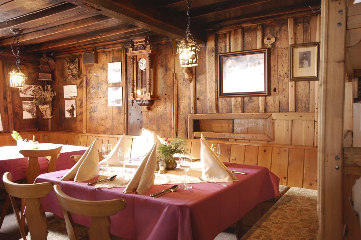 Die alte Stube - Hausmannskost und Österreichische Klassiker werden hier serviert. c Krimmler Tauernhaus