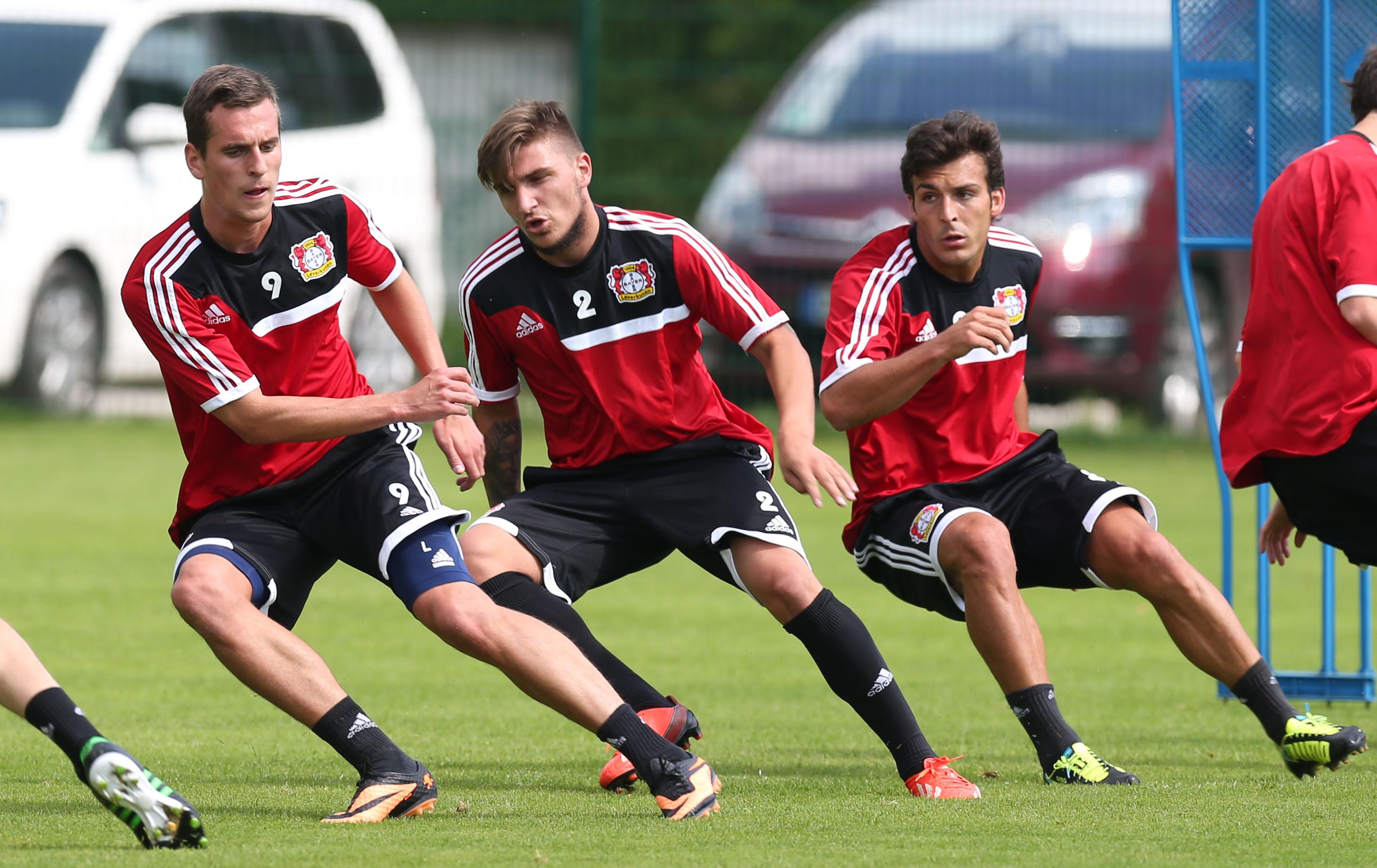 •Volle Kraft voraus Richtung Champions League: Beim Training im Zeller Latini-Stadion geht es richtig zur Sache.