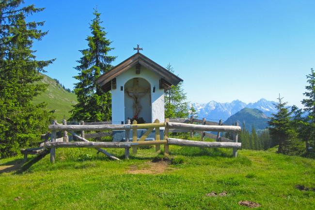 Die Rosswaldkapelle in Saalbach Hinterglemm ist eine typische Wetterkapelle.