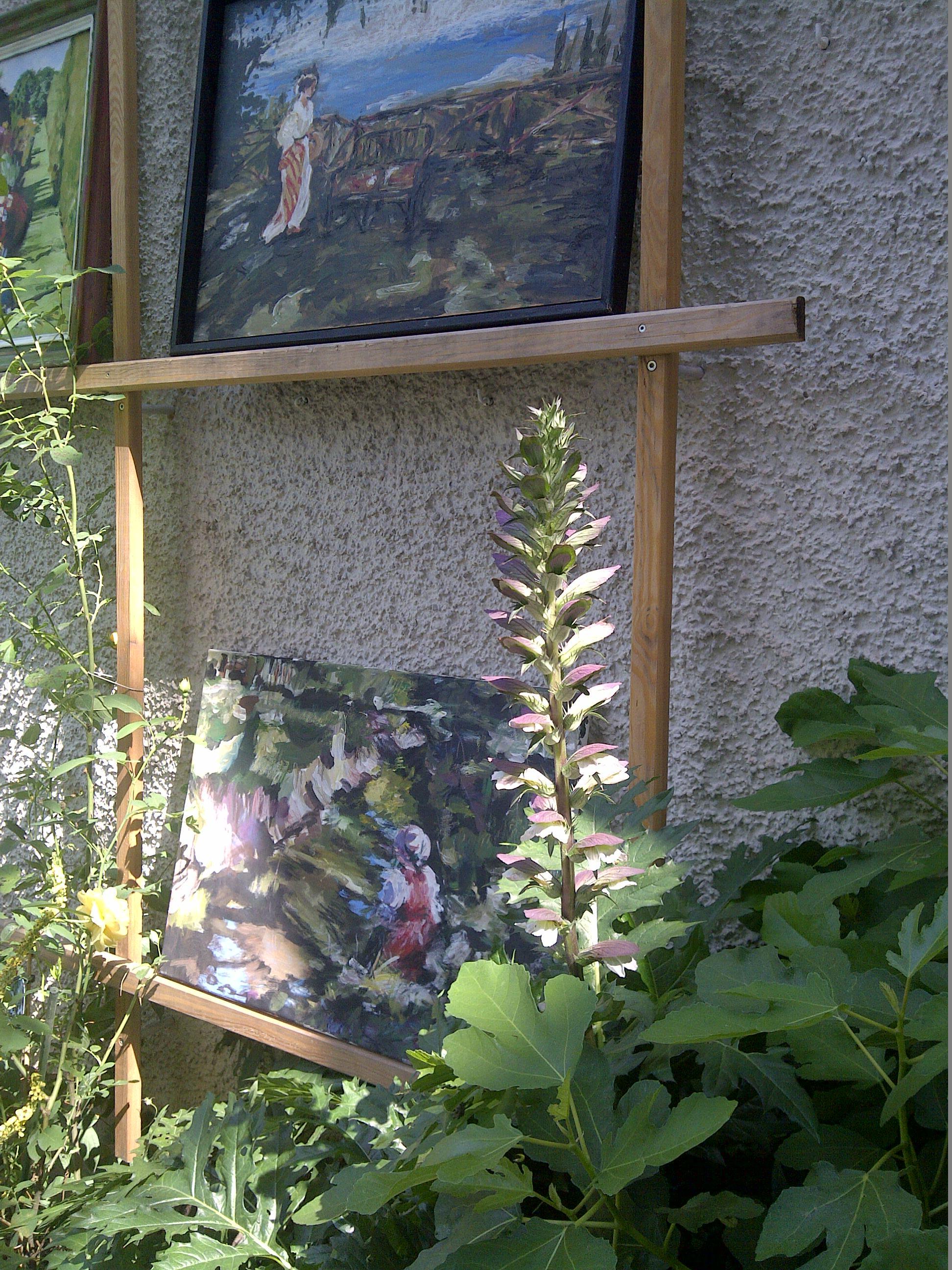 An den Tagen der offenen Türe im Franziskanerklostergarten verschmelzen Natur und Kunst.