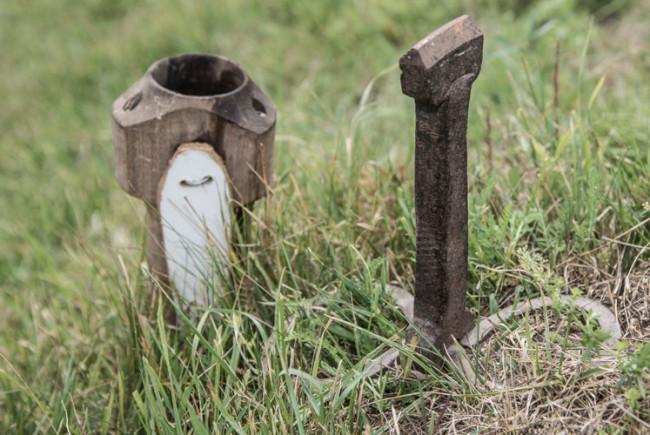 Schmotzn - der Amboss - und der der hölzerne Kumpf.