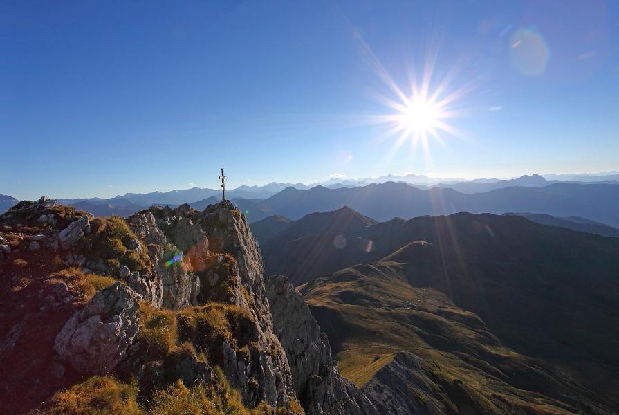 Draugstein-Gipfel mit seiner steil abfallenden Nordwand