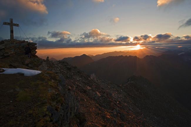 Sonnenaufgang am Larmkogel