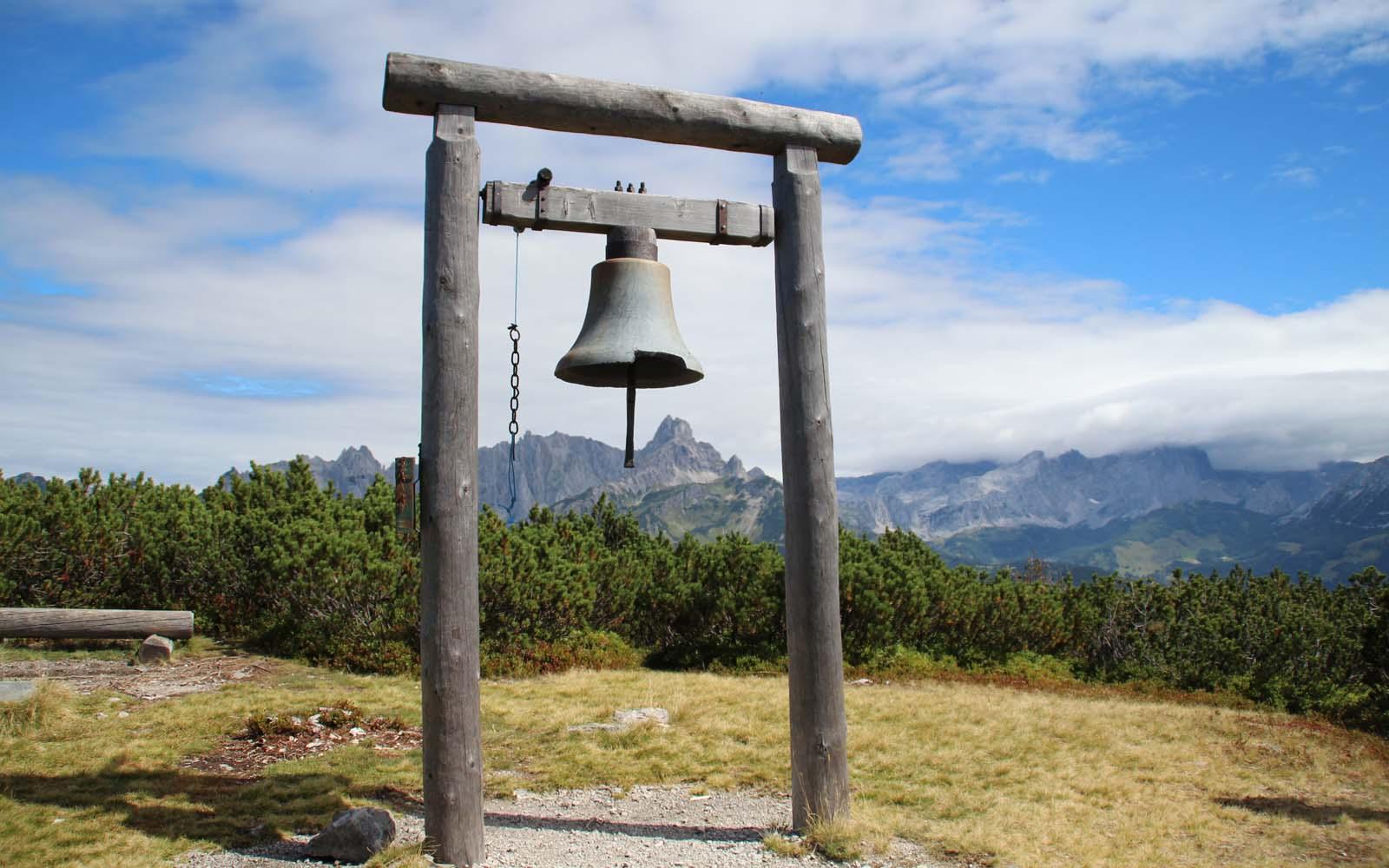 Glocke am Gipfel