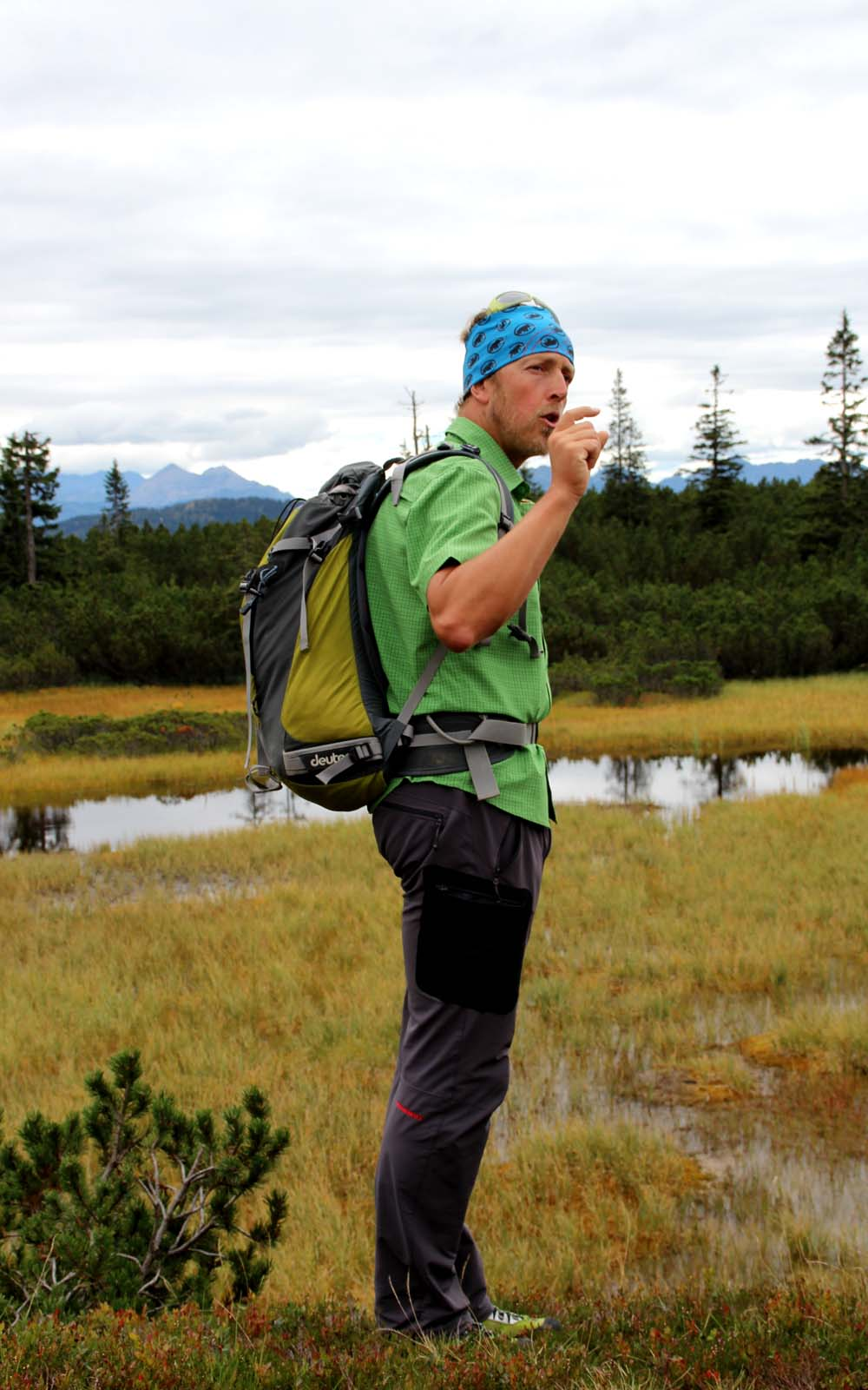 Wanderführer Coen Weesjes erklärt sensible Ökosystem