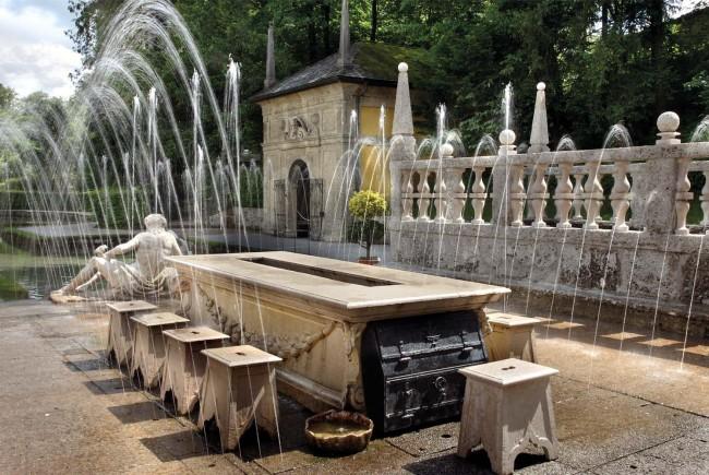 wasserspiele_hellbrunn(www.hellbrunn.at)