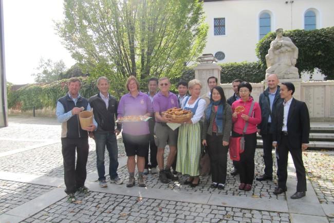 Eröffnungsfeier des St. Rupert-Pilgerwegs in Seekirchen
