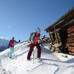 Auch das Skitourengehen muss erlernt werden.