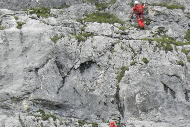 kletterer in den steinbergen