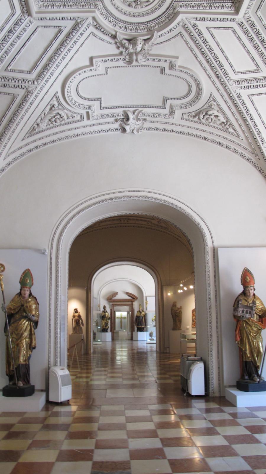 Dommuseum mit Domschatz und religiösen Kunstschätzen
