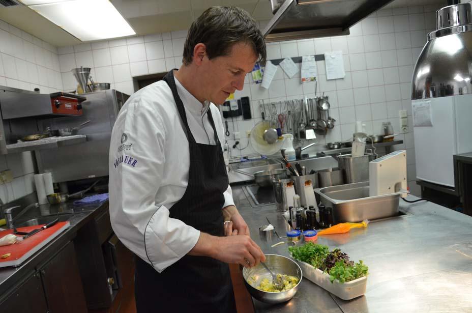 Josef Steffen in der Küche