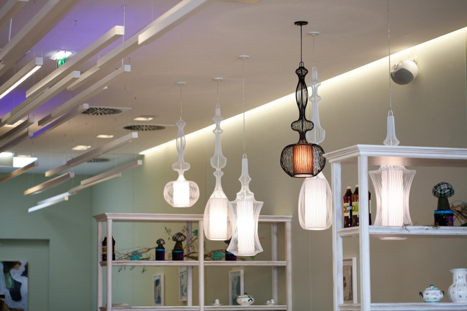 Blickfang: die italienischen Designerlampen.