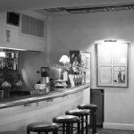 Eine Erfrischung an der Bar