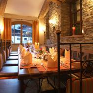 Das gemütliche Restaurant bringt Spezialitäten aus der Region auf den Tisch.