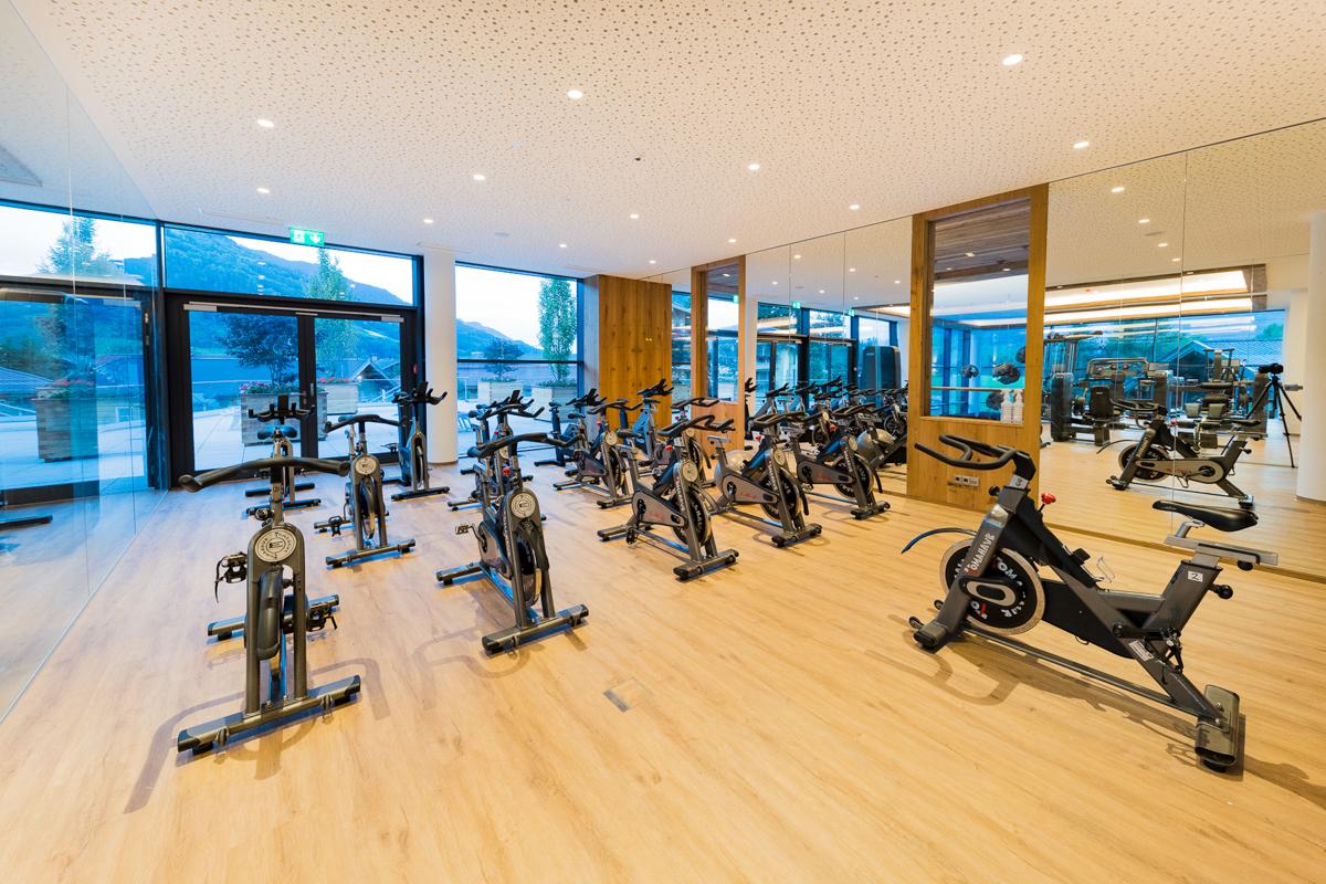 c Klaus Bauer. Ein topmodernes Fitnessstudio.