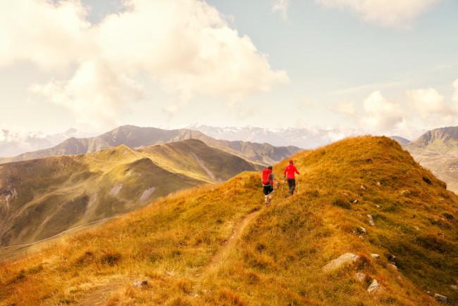 Wandern in günstiger Höhenlage, wie hier in Saalbach Hinterglemm, verlängert die Lebenszeit. c liftimehotels