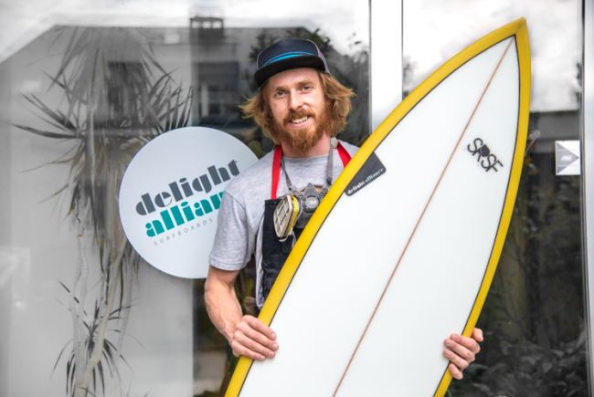 Gerwin Andreas ist Surfboardshaper in Salzburg
