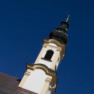 Kaum sichtbar ist die St. Michaels Kirche am Residenzplatz.