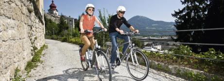 Über den Dächern Salzburgs hat man einen schönen Ausblick auf die Umgebung.