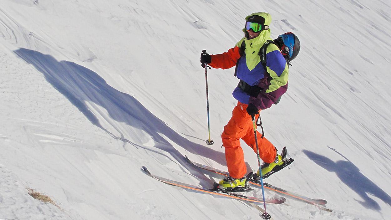Unbeschwert Skitouren zu gehen oder abseits der Pisten podwern, braucht Wissen