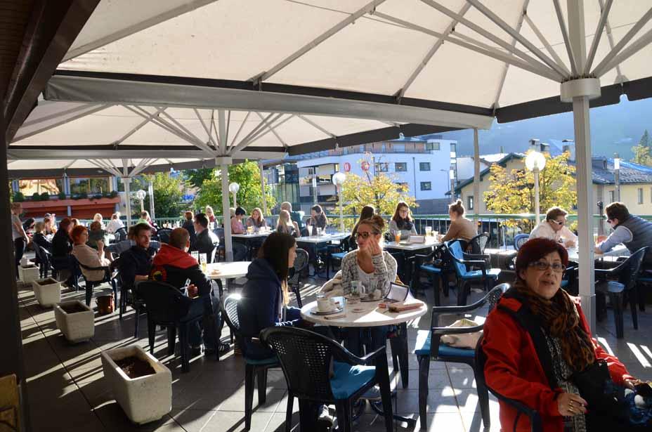 Auf der Terrasse des Cafe Schiebel