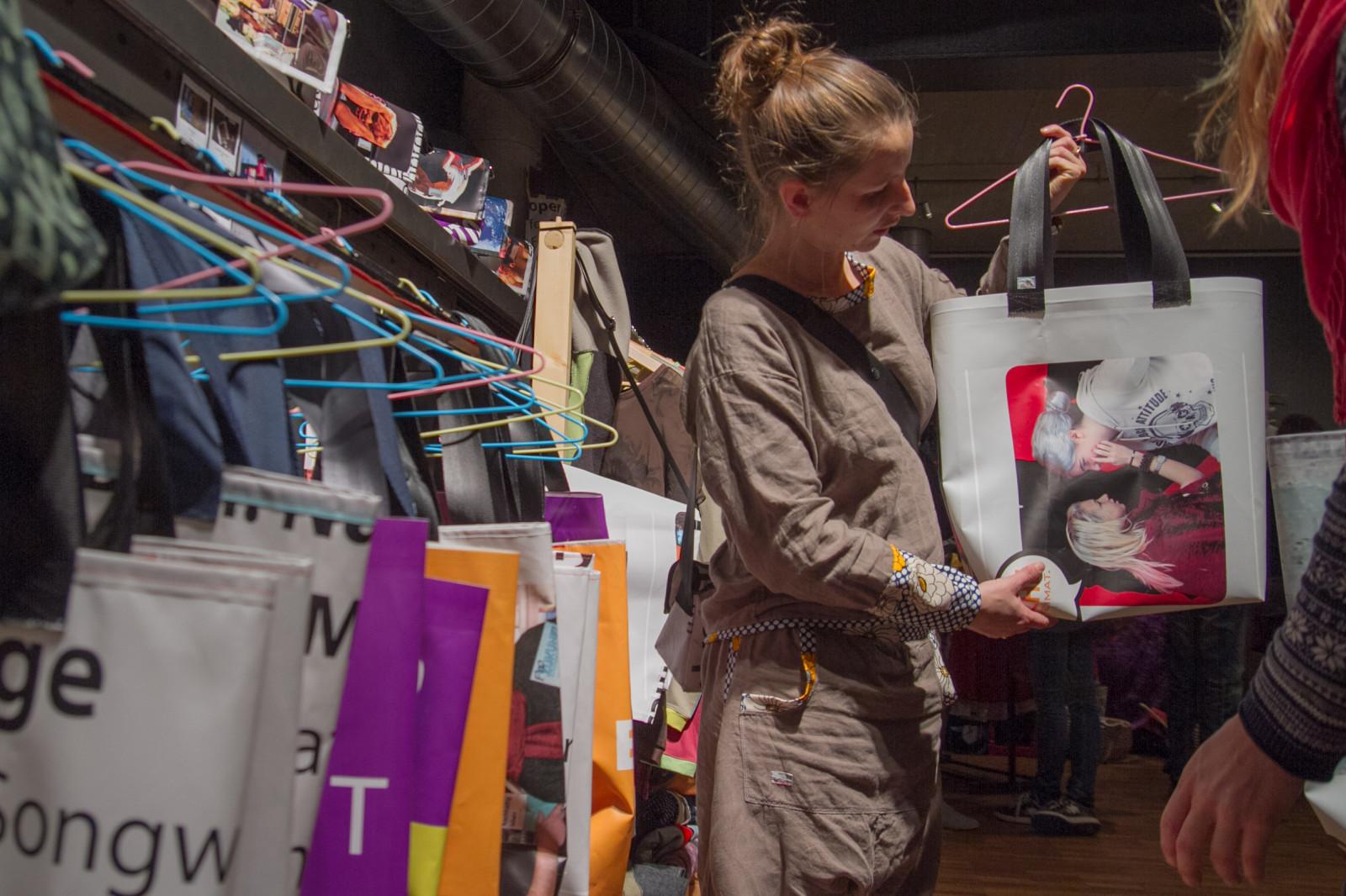 Sonja Brandl und ihre Taschen