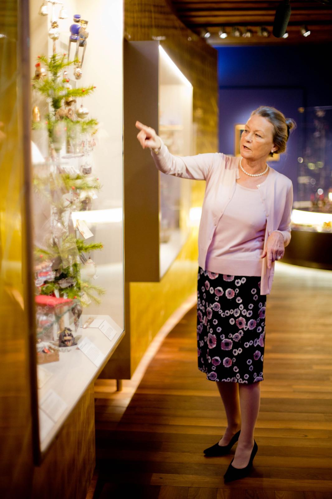 Ursula Kloiber ist die Kuratorin der  Weihnachtswelt