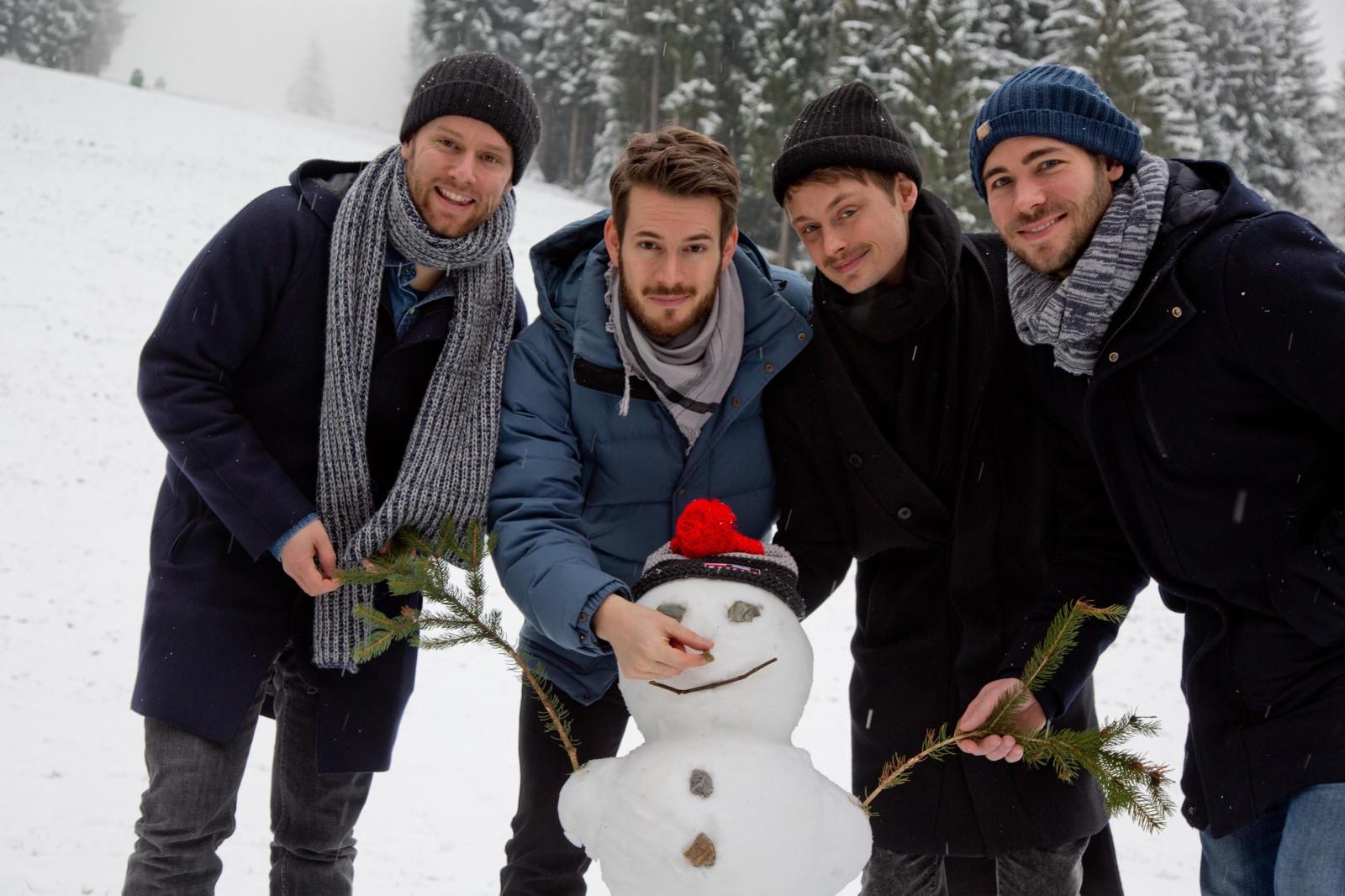 Revolverheld liebt Schneemänner