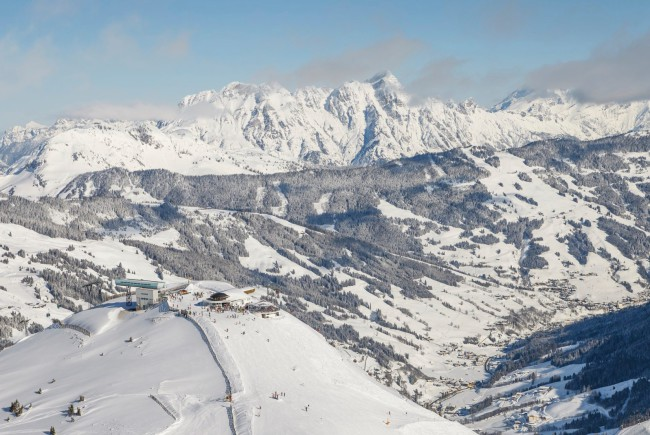 Das Start-Areal am Gipfel des Zwölferkogels.